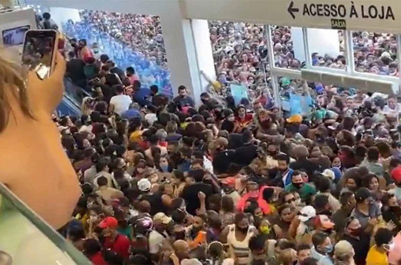 Inauguração de loja em Belém durante a pandemia de covid-19 causou aglomeração, com pessoas sem máscaras, ignorando cuidados para evitar a transmissão da doença - Reprodução