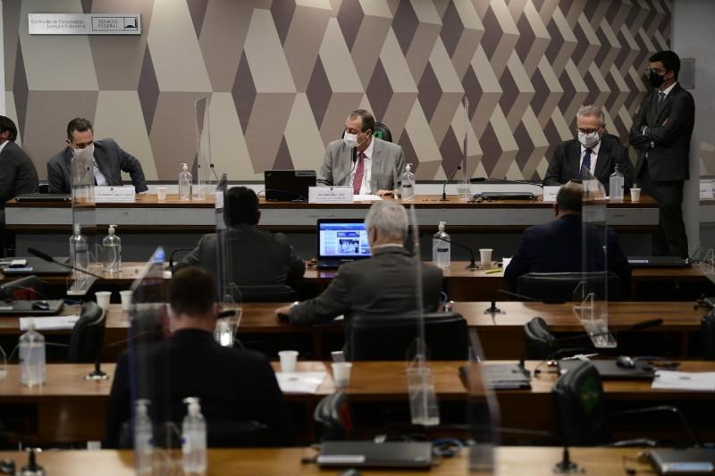 Dominguetti, Omar Aziz, presidente, e Renan Calheiros, relator da CPI - Agência Senado